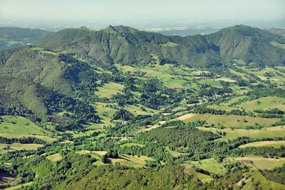 Au sommet du Puy Mary - Le Puy de la Poche, l'Elancèze et le Courpou Sauvage