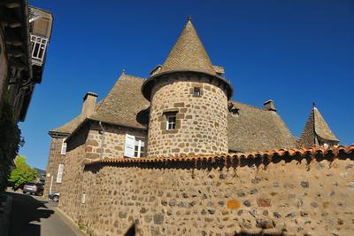 Vic-sur-Cère - Rue du moine de Montaudon