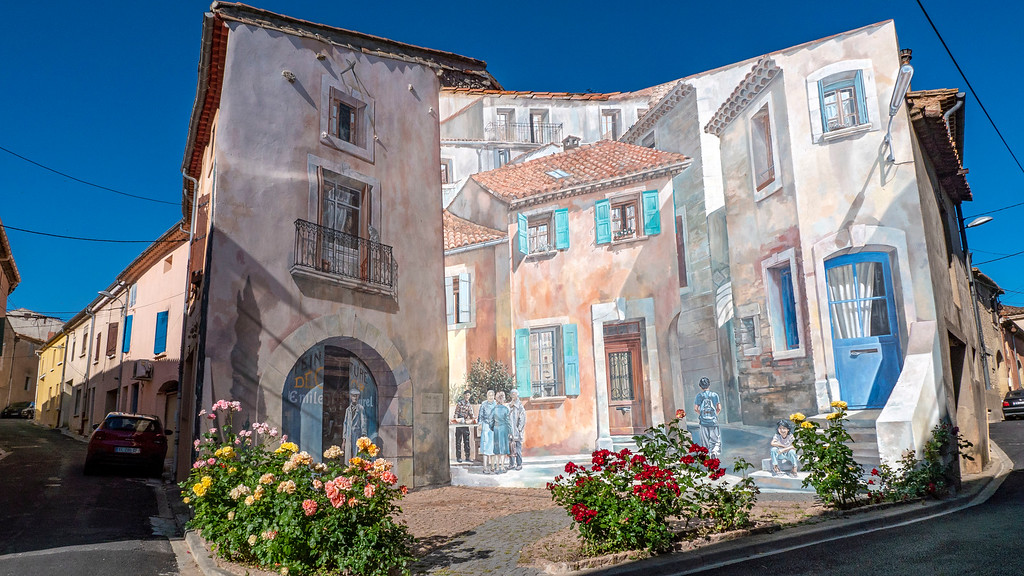 Painted mural in Capestang France - Street art in Capestang - Public art