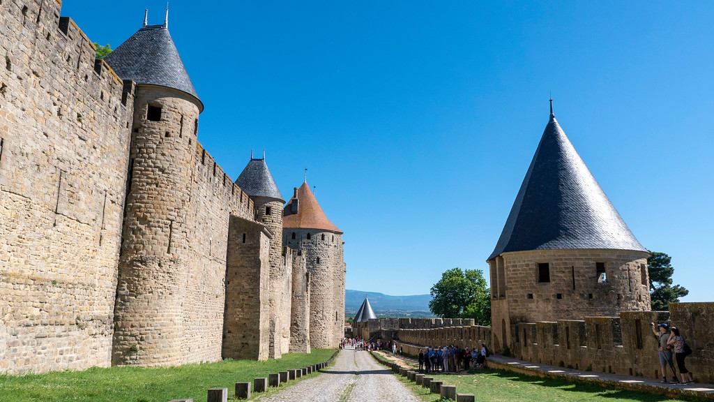 Things to do in Carcassonne France - The fortification city walls