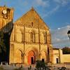 Saint-Savinien - Place de l'Eglise - Eglise Saint-Savinien
