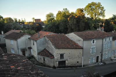 Château de Verteuil-sur-Charente - Rue du Temple