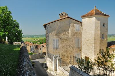Villebois-Lavalette - Rue de L'Eglise