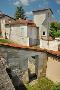 Aubeterre-sur-Dronne - Tour des Apôtres