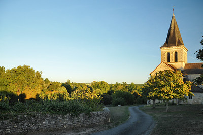 Verteuil-sur-Charente - Esplanade des Tureaux et église Saint-Médard
