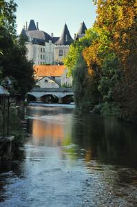 Verteuil-sur-Charente - La Charente, le moulin et le château