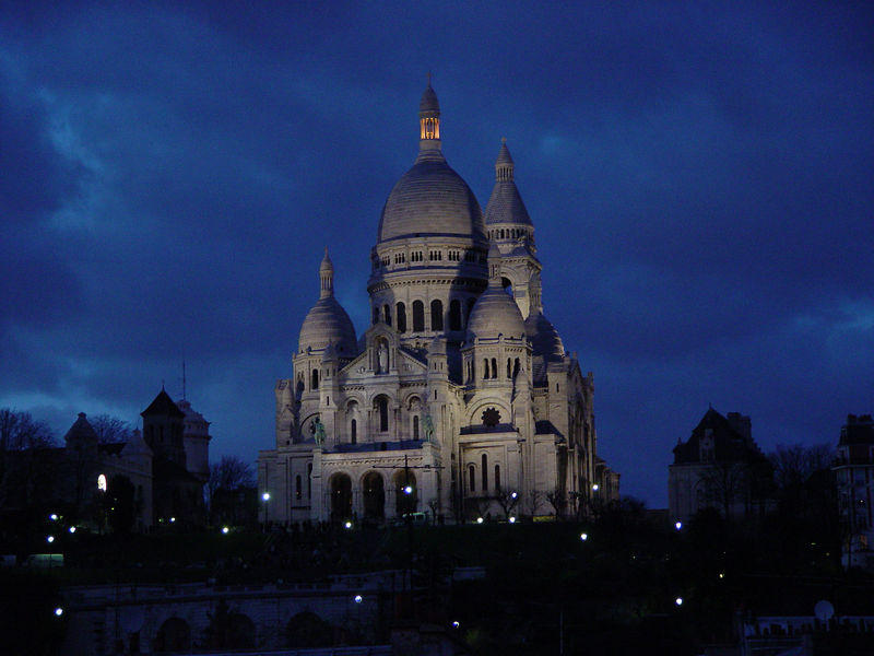 Church of Sacre Coeur in Paris, France.   (Sony F717)