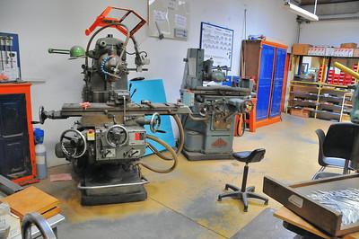 Tulle - Manufacture d'accordéons Maugein - Machines-outils pour la découpe des pièces métalliques