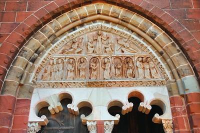 Collonges-la-Rouge - Tympan de l'église Saint-Pierre