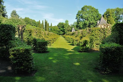 Jardins du manoir d'Eyrignac - Allée des Charmes