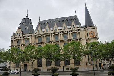 Chartres - Ancien Hôtel des Postes, aujourd'hui médiathèque