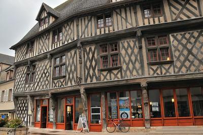 Chartres - Rue de la Poissonnerie - Maison du Saumon