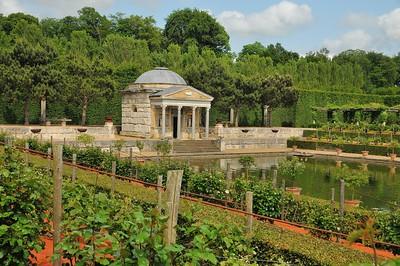 Jardins du château du Champ de Bataille - Le Temple du Trésor de Léda