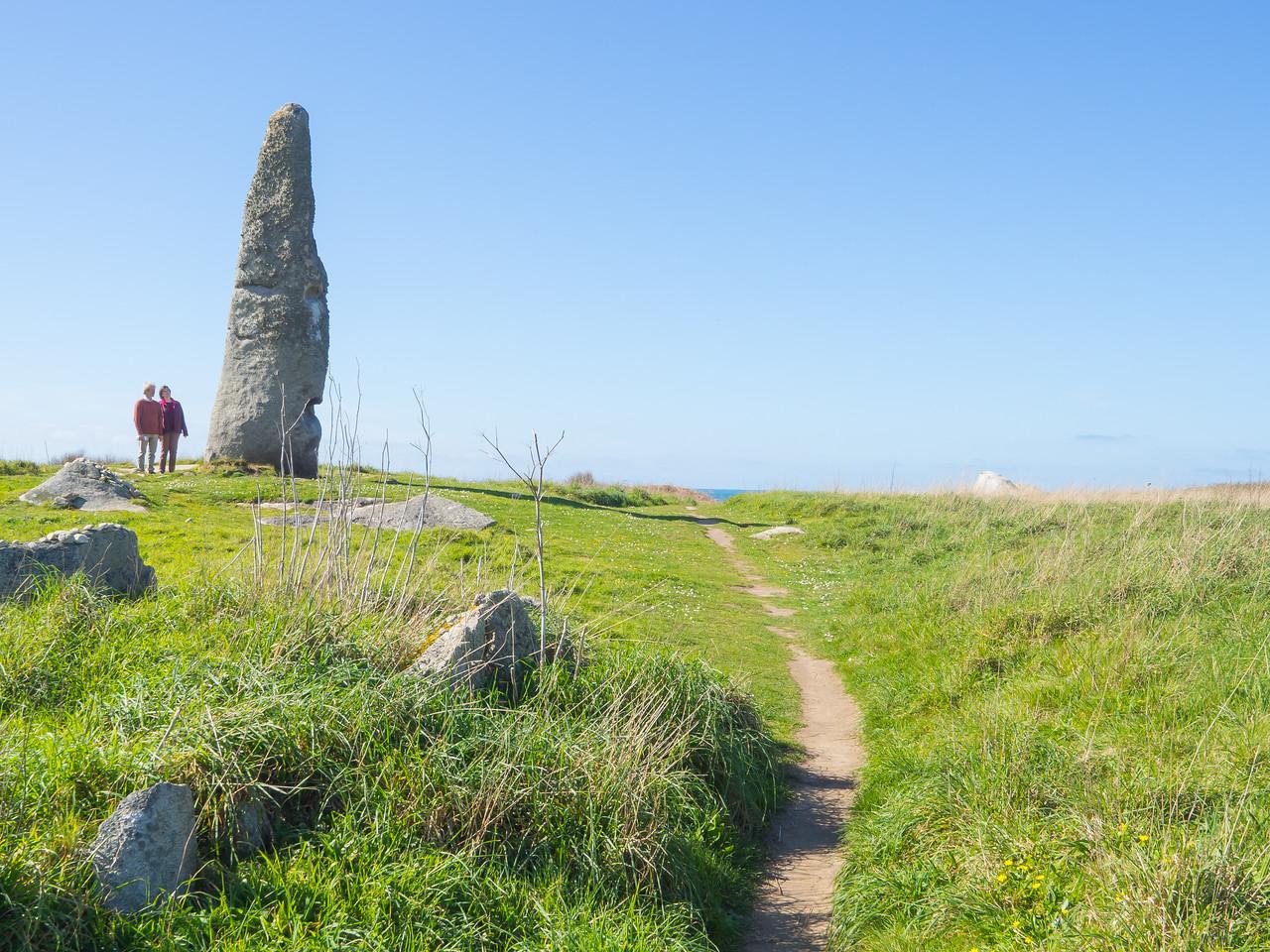 Menhir de Cam Louis, Plouescat