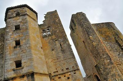 Larressingle - Château-donjon et église Saint-Sigismond