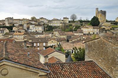 Saint-Emilion - Vue sur la tour de Roy