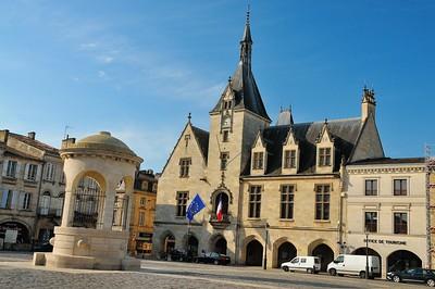 Libourne - Place Abel Surchamp et mairie