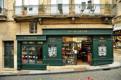 Saint-Emilion - Rue Guadet - Au pays du vin