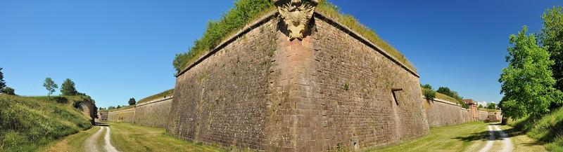 """Neuf-Brisach - Fortifications conçues par Vauban, """"troisième système"""""""