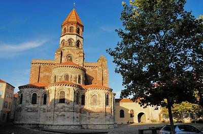 Brioude - La basilique Saint-Julien et ses chapelles rayonnantes