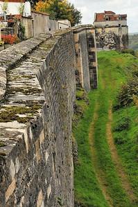 Langres - Remparts et tour Saint-Jean