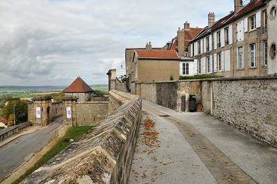 Langres - Porte de l'Hôtel-de-Ville ou du Marché