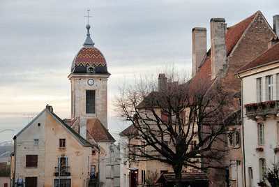 Pesmes - Grande Rue et église Saint-Hilaire