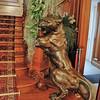 Evian - Villa Lumière - Lionne de bronze de l'escalier monumental