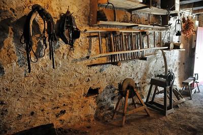 """Montrol-Sénard - Musée """"Nostalgie rurale"""" - Maison """"Chabatz d'Entrar"""" - Etable-cellier"""