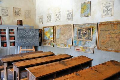 """Montrol-Sénard - Musée """"Nostalgie rurale"""" - L'ancienne école"""