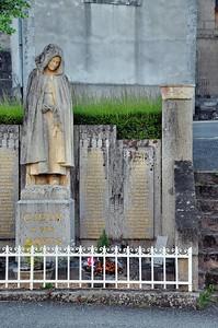 L'émouvant monument aux morts de Cieux