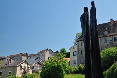 Eymoutiers - Sculpture l'infini suspendu de Christian Lapie (2013)