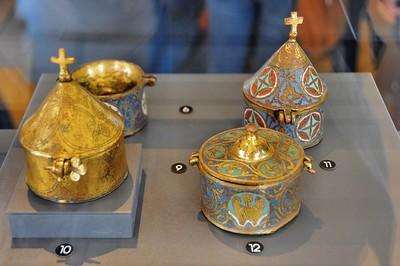 Limoges - Musée des Beaux-Arts - Emaux de Limoges, pyxides diverses (13e siècle)