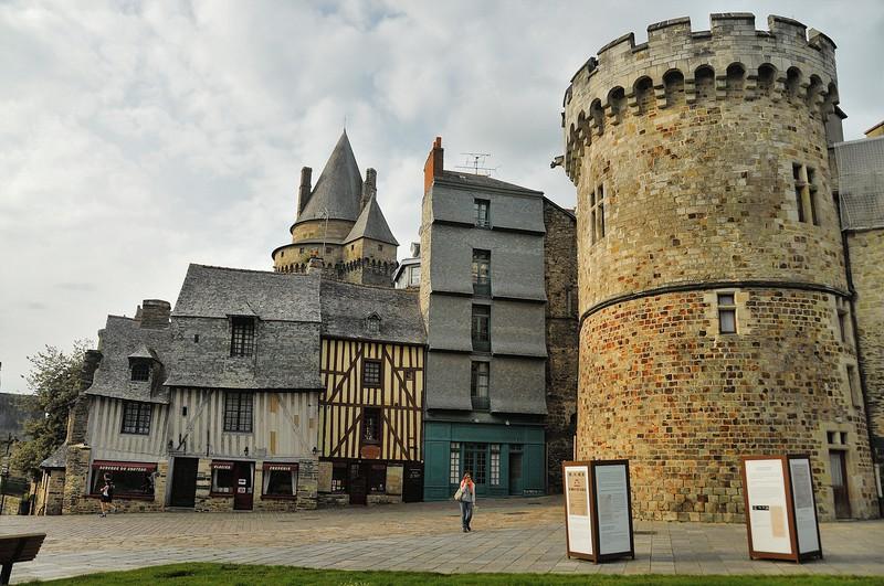 Vitré (Gwitreg) - Place Saint-Yves