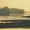 Lever de soleil à la confluence de la Loire et de la Vienne