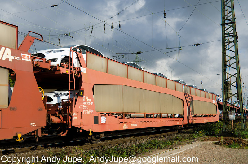 23874272035-8_b_Laeks_un471_KölnGremburg_Germany_10102013