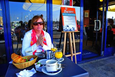 Ah! Le petite Dejuener! La Rochelle, France