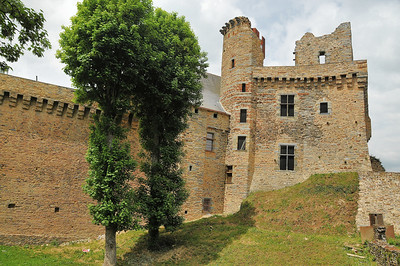 Châteaubriant (Kastell-Briant) - Donjon du vieux château