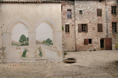 Penne-d'Agenais - Place Aliénor d'Aquitaine