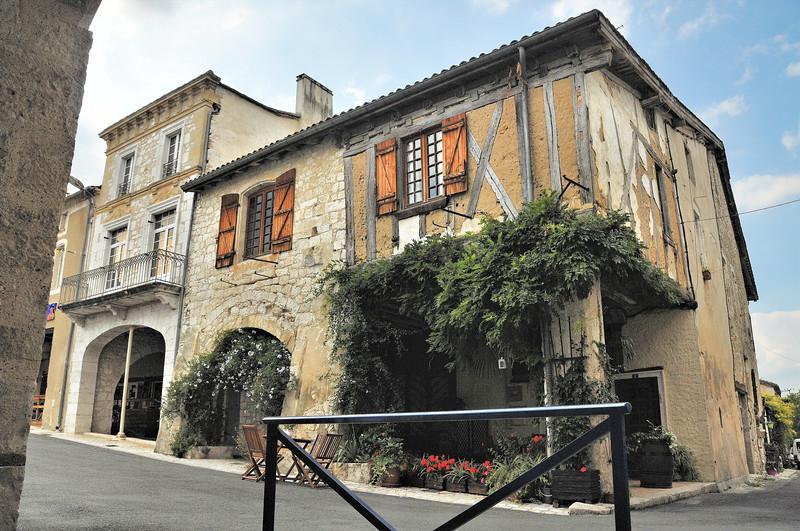 Castillonnès - Les plus anciennes maisons de la bastide