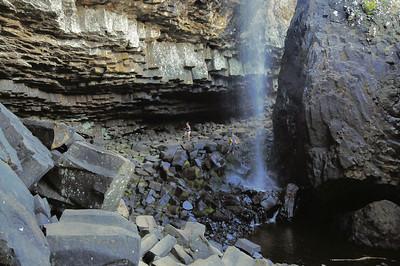 Plateau de l'Aubrac - Cascade du Déroc et blocs d'orgues basaltiques