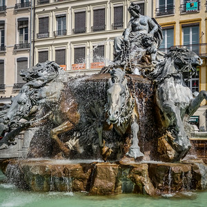 Horse fountain by Bartoldi