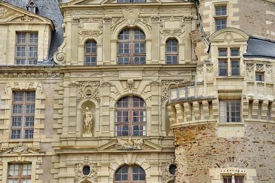 Château de Brissac - La suture entre l'ancien et le nouveau château