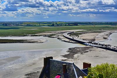 Mont_Saint_Michel_mud flats & causeway_D75_5270