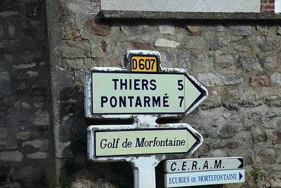 Morfontaine_Signpost_2994