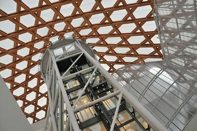 Metz - Centre Pompidou - Hall d'entrée et ascenseur