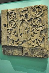 Metz - Musée de la Cour d'Or - Sirène à queue bifide et dragons (XIIe siècle)