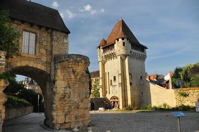 Nevers - Porte du Croux