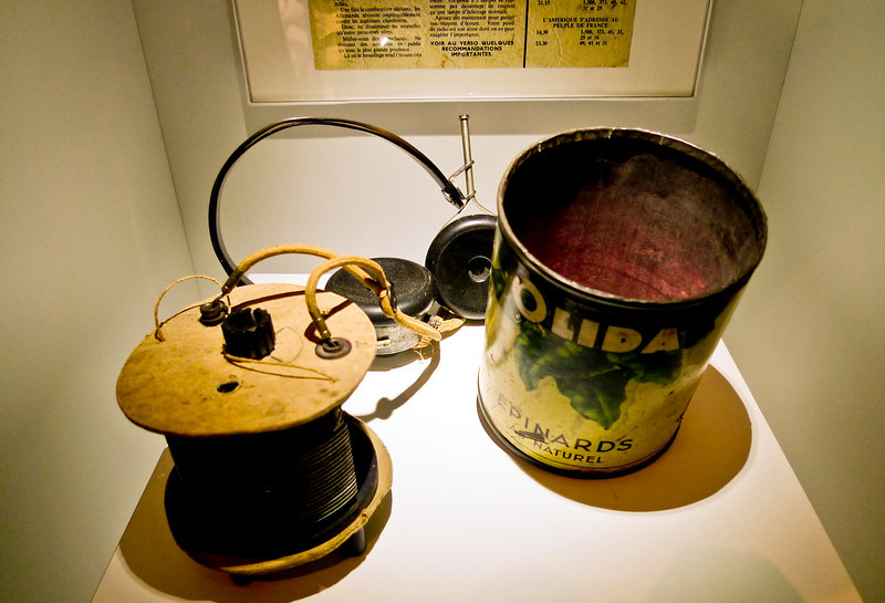 Wireless transmitter designed and used by Andre Heintz to report German activity in France to England in Memorial de Caen.