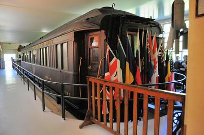 Clairière de l'Armistice - Wagon reconstitué des signataires des armistices de 1918 et 1940